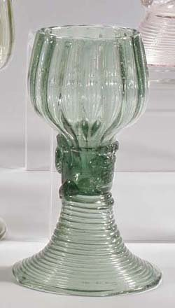 12: Römer - roman glass cup