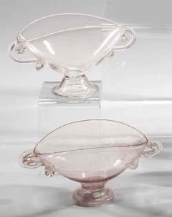 20: Zwei Fußschälchen-two glass bowls