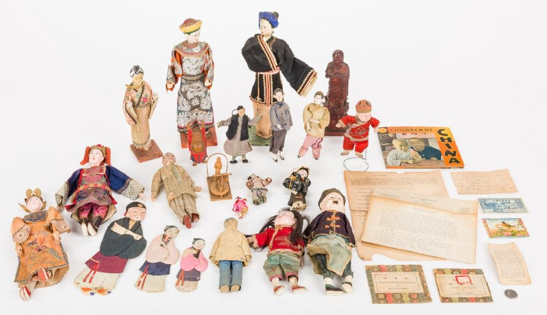 16 Vintage Chinese Dolls, Accessories & Carvings, 17