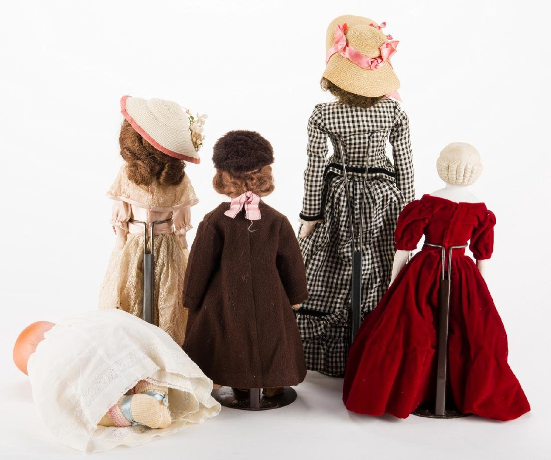 Group of 5 dolls - 2