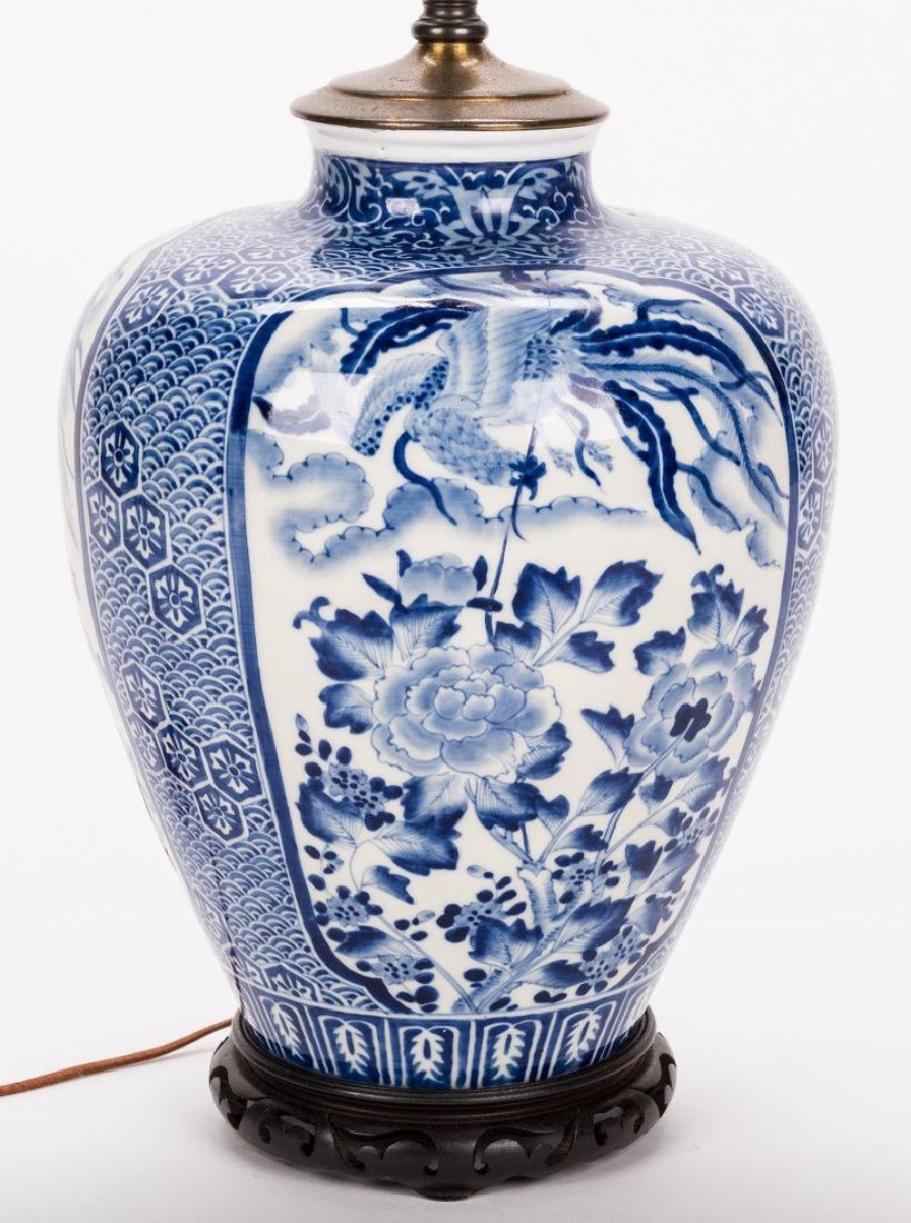 Chinese Porcelain Blue & White Lamp - 3