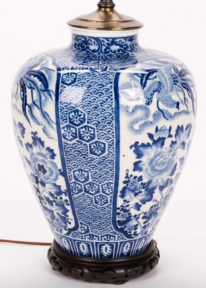 Chinese Porcelain Blue & White Lamp - 4