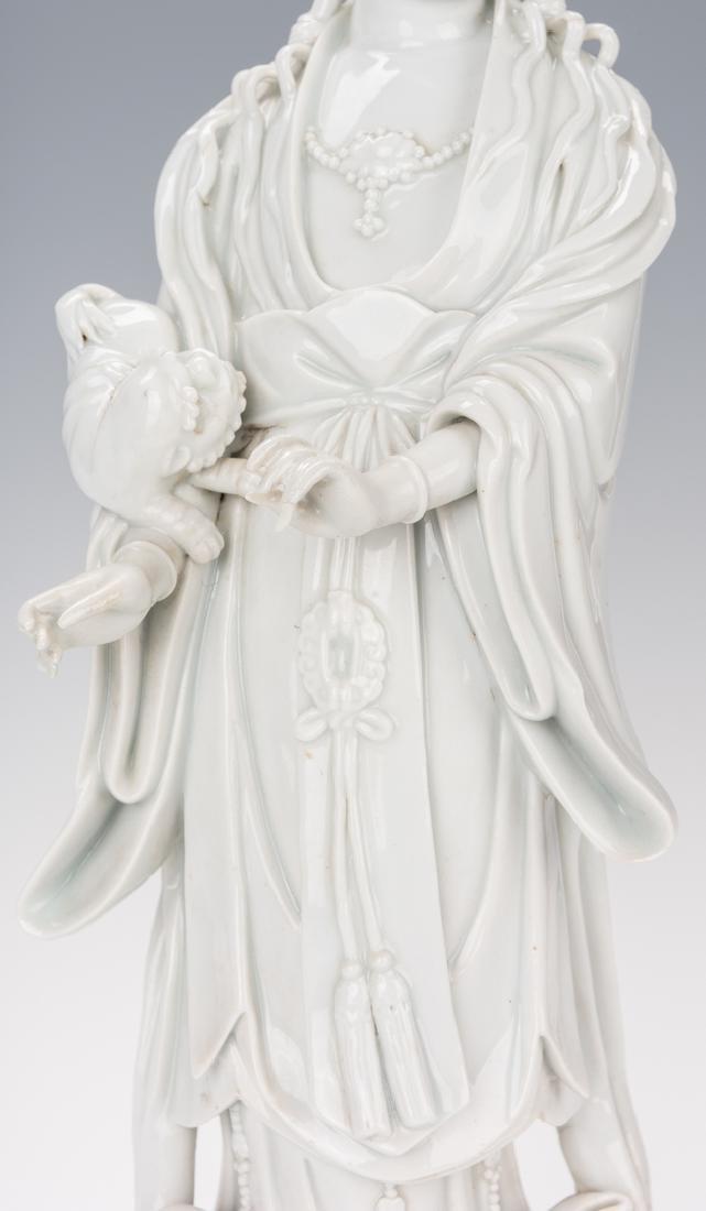 Blanc de Chine Porcelain Quan Yin Figure - 5