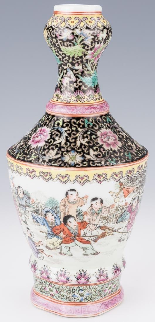 Famille Rose Garlic Head Bottle Vase - 2