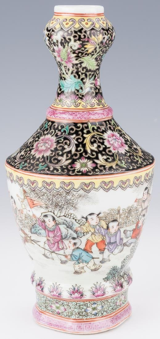 Famille Rose Garlic Head Bottle Vase - 3