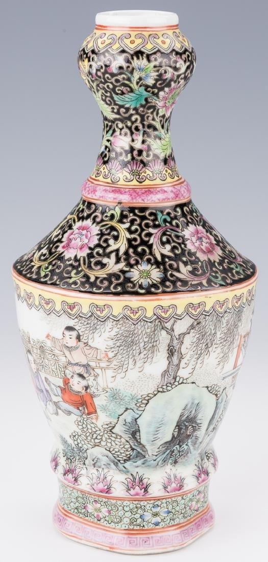 Famille Rose Garlic Head Bottle Vase - 4