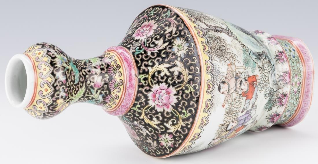 Famille Rose Garlic Head Bottle Vase - 6