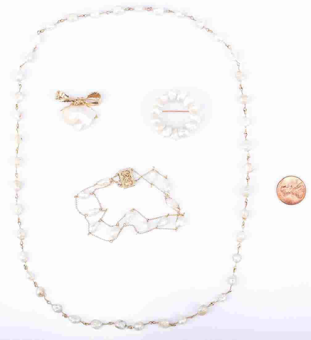 4 TN Pearl and Gold jewelry Items