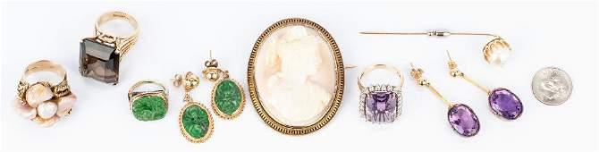 8 Gold and Semiprecious Jewelry Items