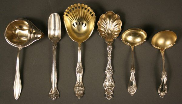 107: Assorted sterling silver flatware serving pieces