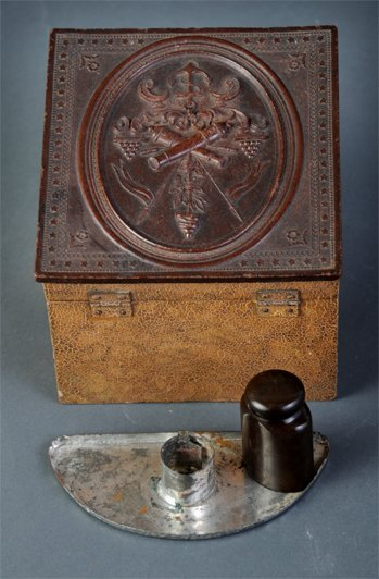 7: Civil War collar box and ink bottle, provenance