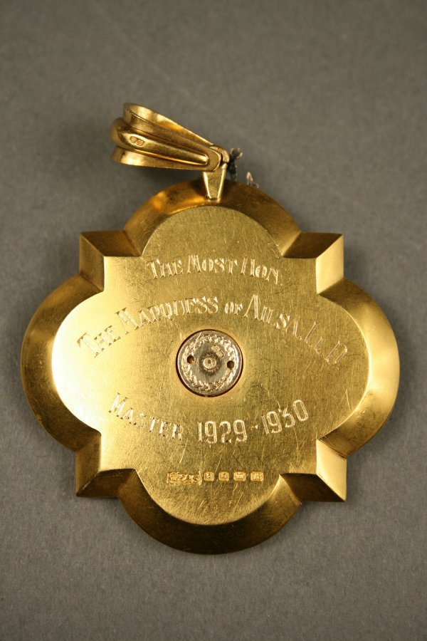238: English gold enameled medal, London hallmarks - 4