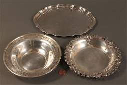595 2 Small sterling bowls and a small tray