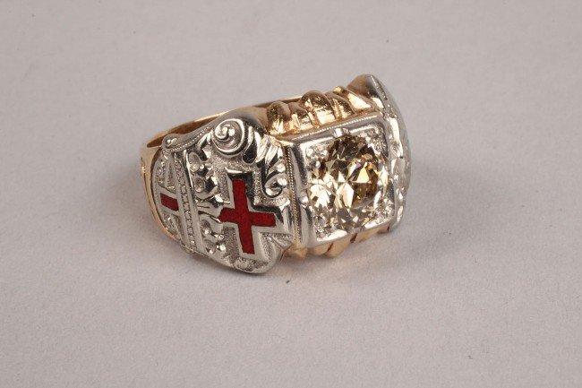 101: Masonic gold and diamond ring, 1.75 ct - 2