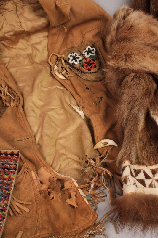 569: Lot of Inuit and Plains Indian Clothing - 3