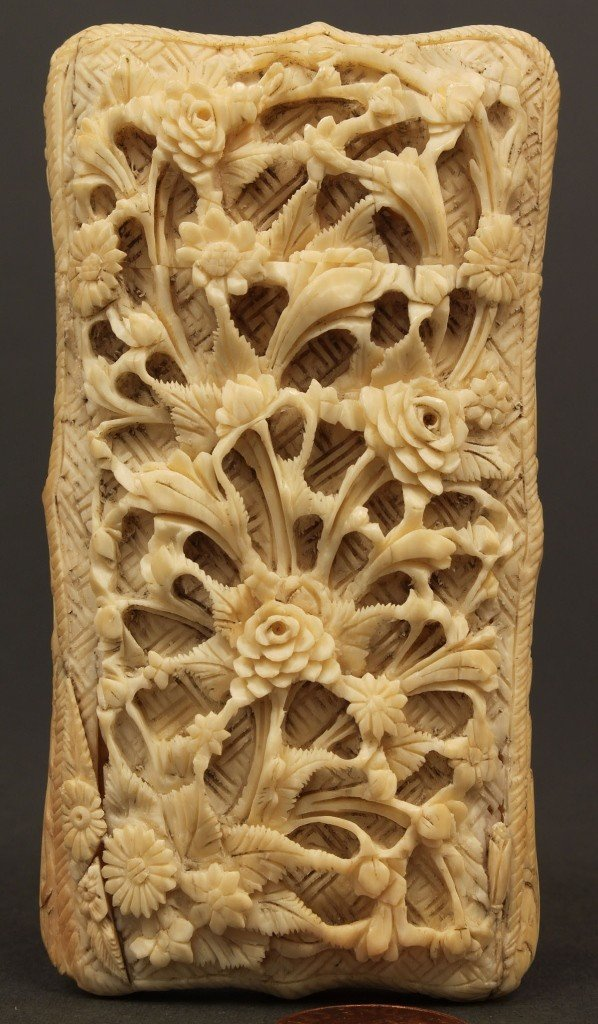 4: Asian Ivory calling card case, lift top, cartouche