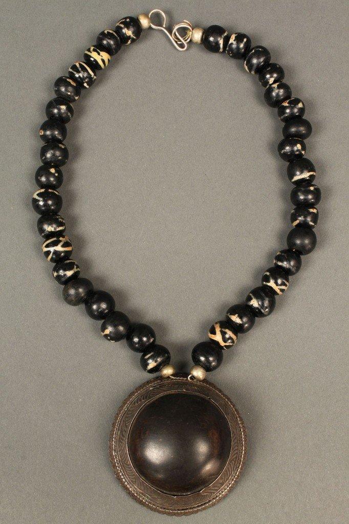 "23: Rhino Horn Necklace, silver & ""Tibetan agate"""