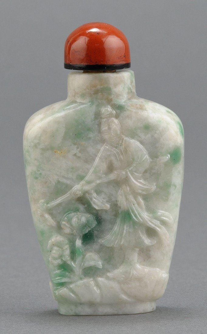 7: Chinese Carved Jadite Snuff Bottle farmer