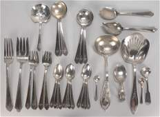 510: Assorted group of sterling flatware, 32 pcs
