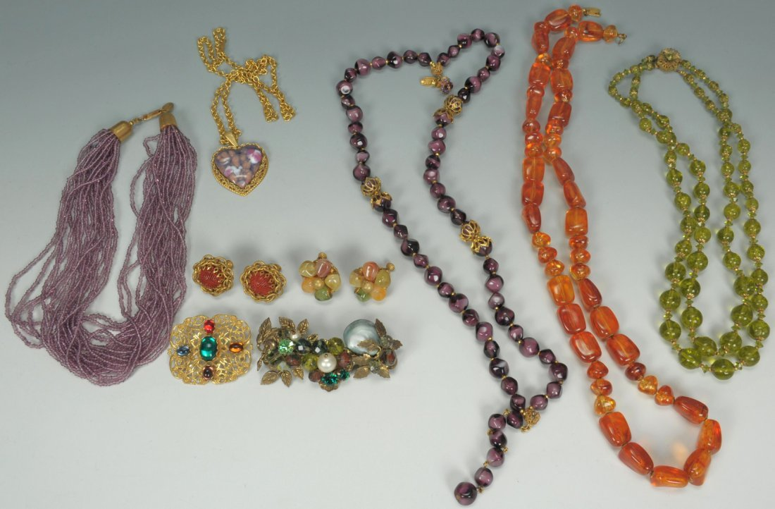 609: Vintage Miriam Haskell Jewelry, 5 necklaces + 2 br