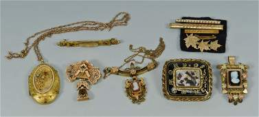 744: 11 pcs Victorian & Mourning Jewelry inc. cameos