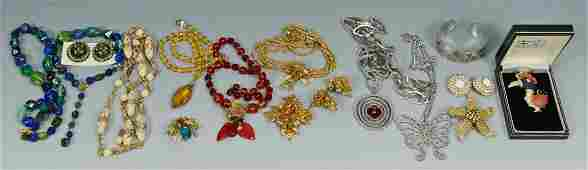 745: Vintage Costume Jewelry incl. Hattie Carnegie, DeM