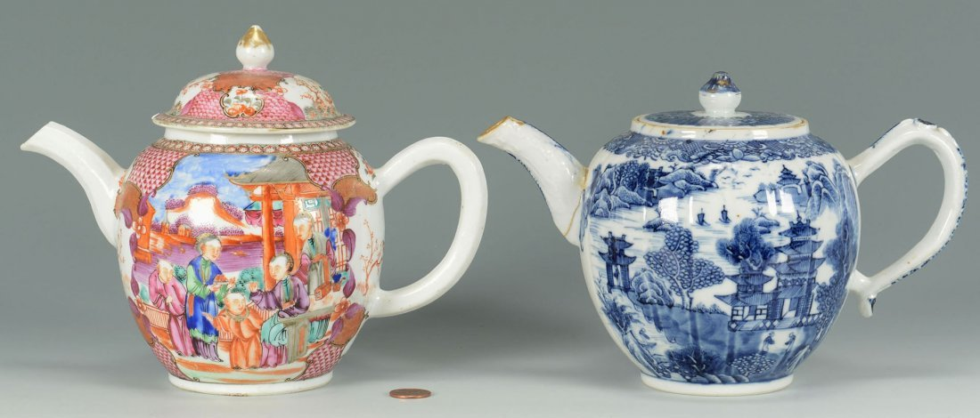 2 Chinese Export teapots - Famille Rose and Blue and Wh
