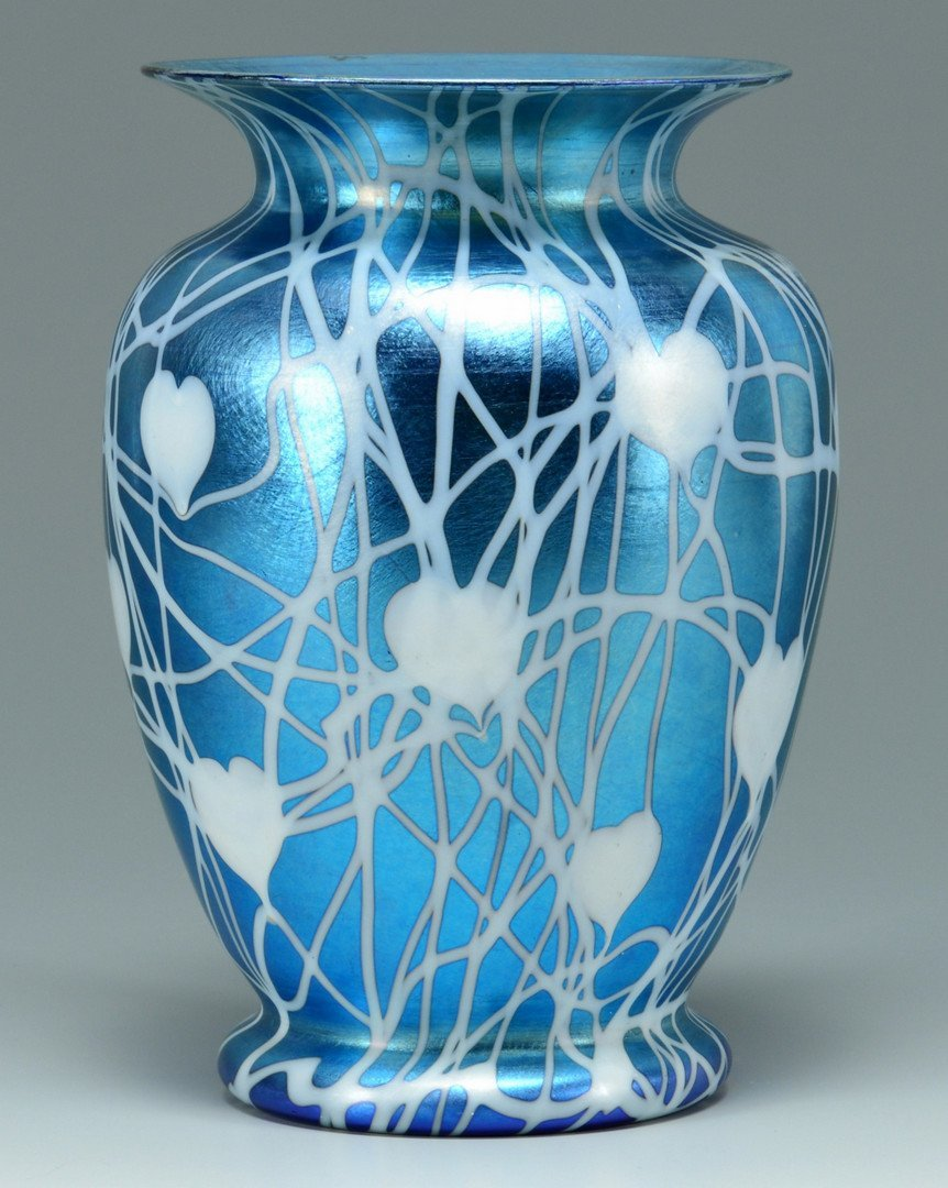 Durand Glass Hanging Heart Design Vase - 3