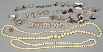Assorted Grouping of Jewelry
