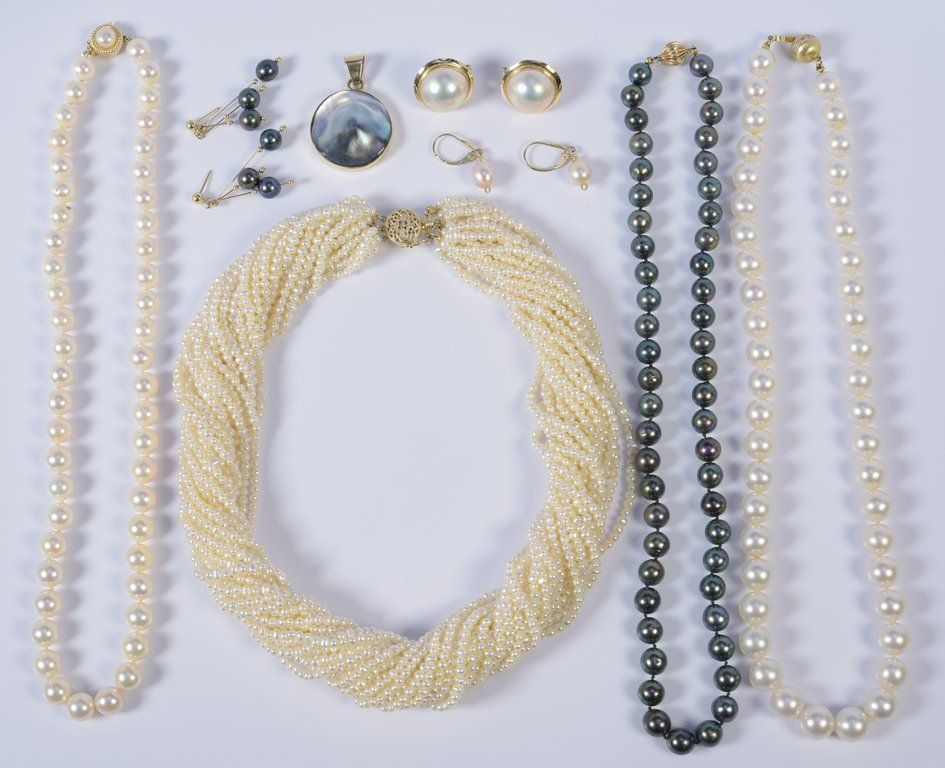 Group of Pearl Jewelry, 8 items