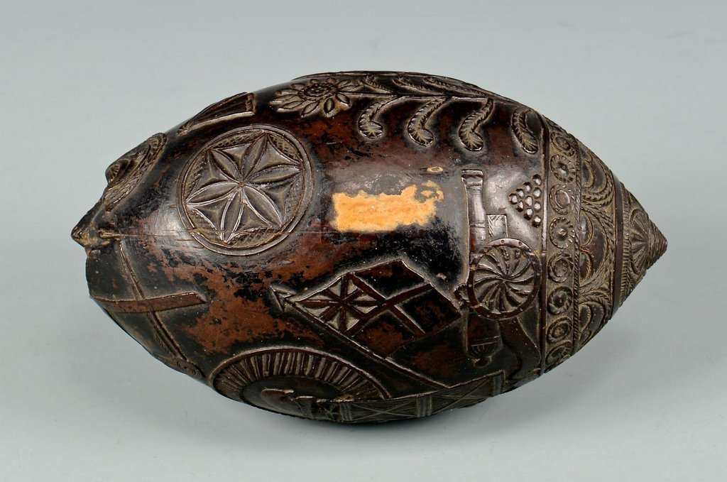 19th Century Carved Coconut Shell - 4