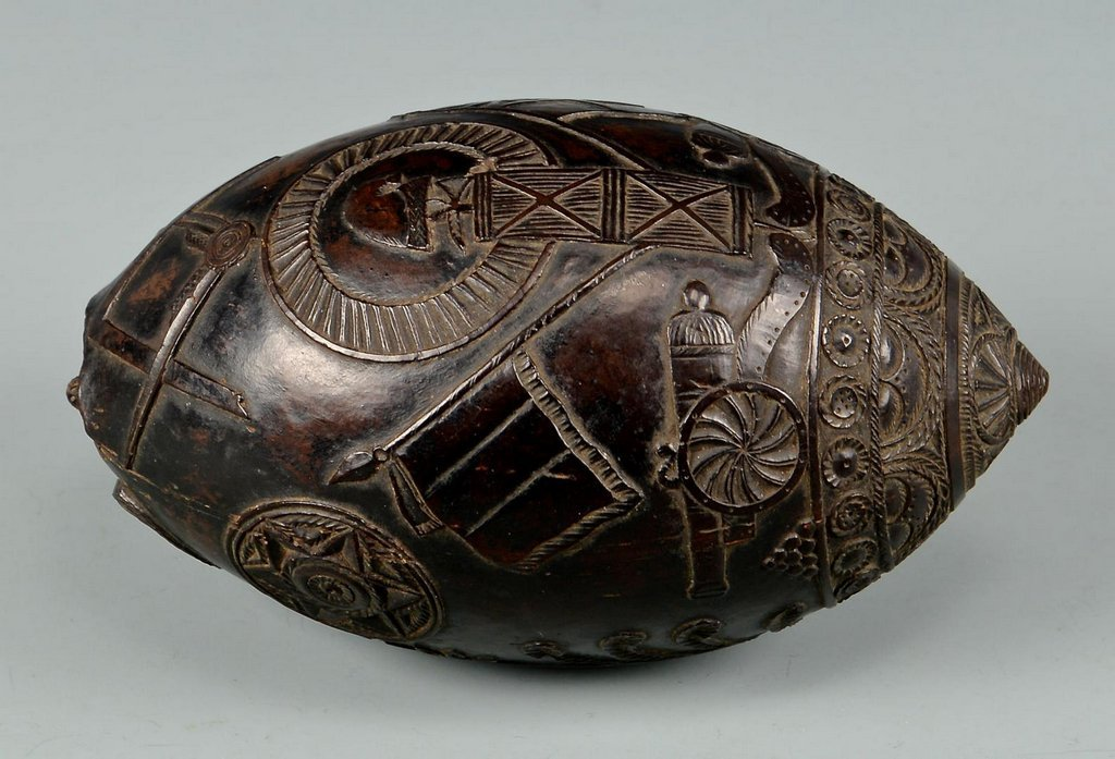 19th Century Carved Coconut Shell - 5