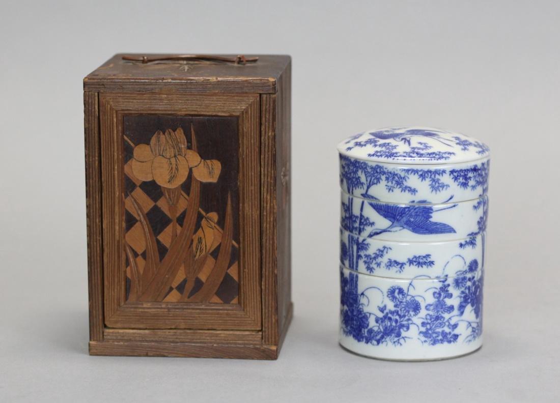 Japanese porcelain tea caddy w/ original wooden box