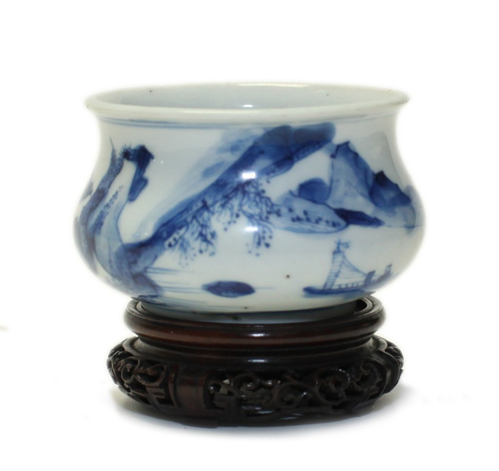 Chinese blue and white censer (Qing dynasty)