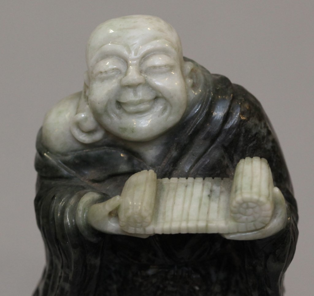 Chinese stone carving of the laughing buddha - 4
