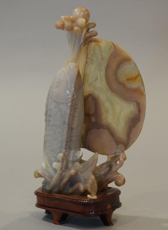 Chinese agate carving of a fish - 3