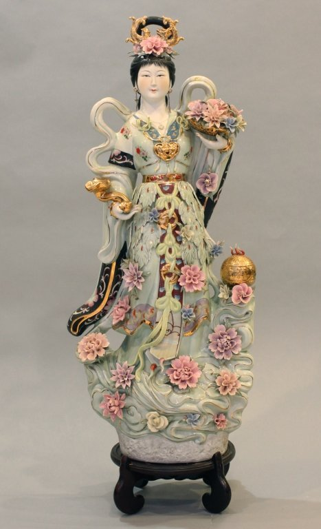 very large Chinese porcelain beauty