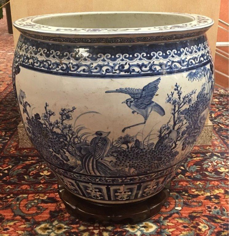 Chinese blue & white porcelain fishbowl