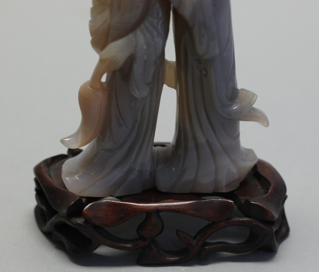 Chinese agate carving of two maidens - 4