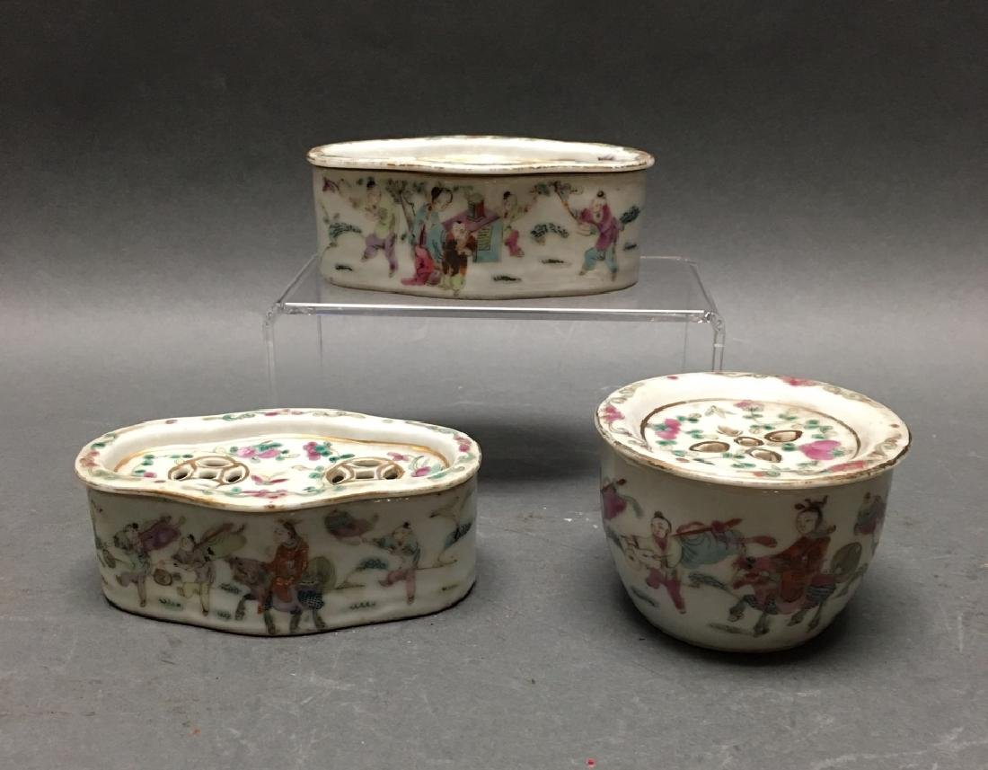 3 Chinese porcelain incense burners, Qing dynasty