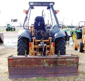 113: Case 570LXT Landscape Tractor - 3