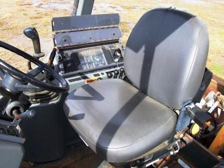 113: Case 570LXT Landscape Tractor - 4