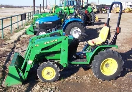 132: JD 4100 Compact utility Tractor