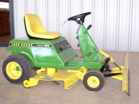 122: JD Electric 90 Riding Mower
