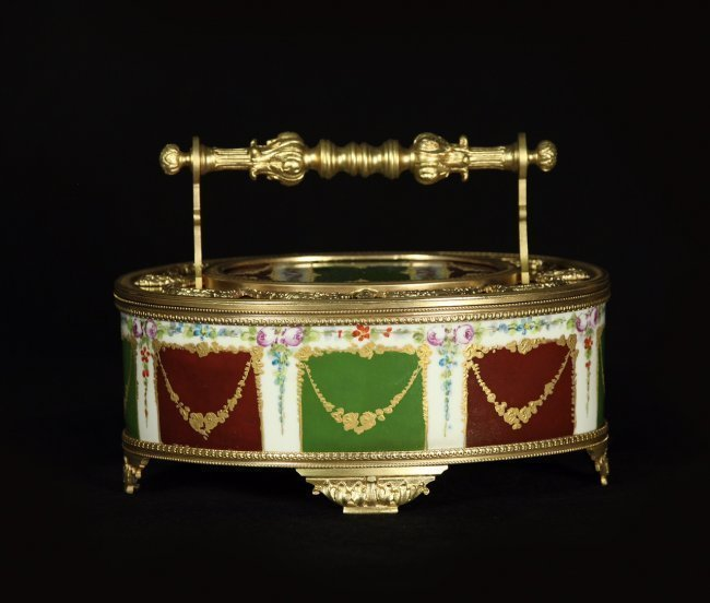 19TH CENTURY DORE BRONZE AND SEVRES STYLE PORCELAIN BOX - 2