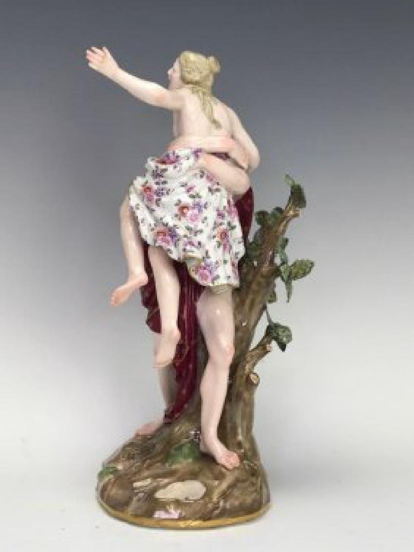 A LARGE 19TH C. MEISSEN GROUP OF THE RAPE OF SABINE - 2