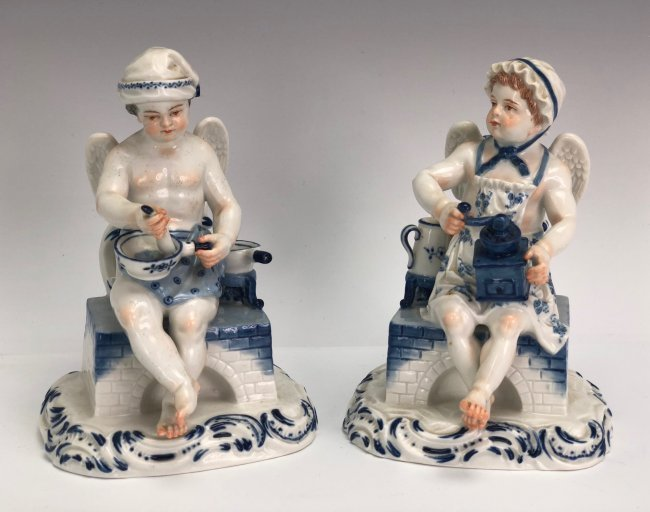 A PAIR OF MEISSEN FIGURES