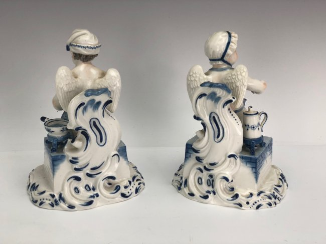 A PAIR OF MEISSEN FIGURES - 2