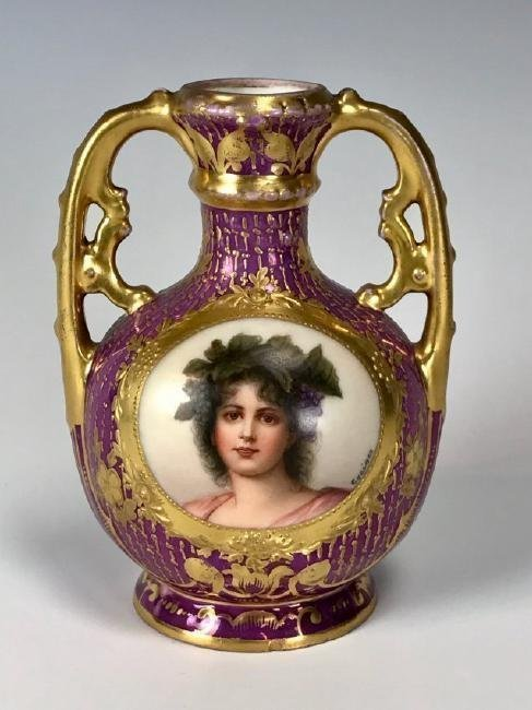A 19TH CENTURY ROYAL VIENNA STYLE PORTRAIT VASE