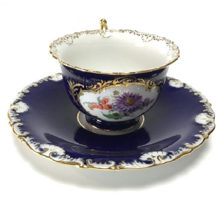 ANTIQUE MEISSEN CUP AND SAUCER CIRCA 1924/1934
